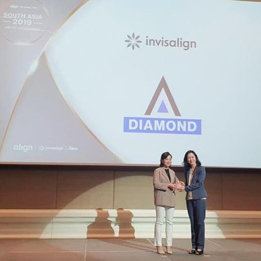 Bác sĩ Dung Diamond Invisalign 2019
