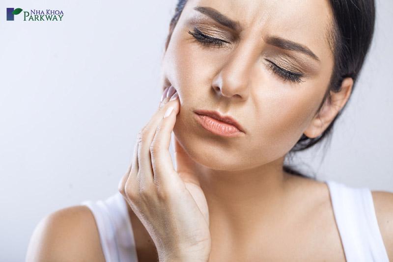 quá trình trồng răng implant có gây đau
